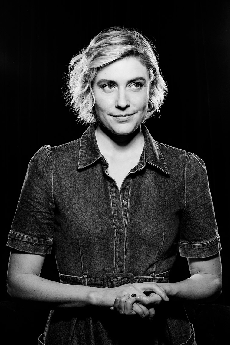 GRETA-GERWIG-THE-WRAPElisabeth-Caren-5228b